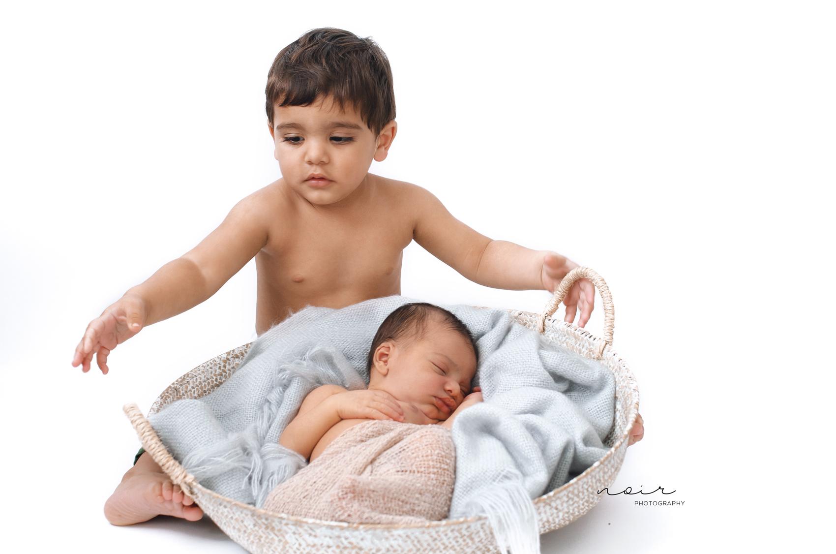 Newborn fotografie west-vlaanderen regio kortrijk wevelgem ieper menen roeselare fotoshoot kinderfotografie