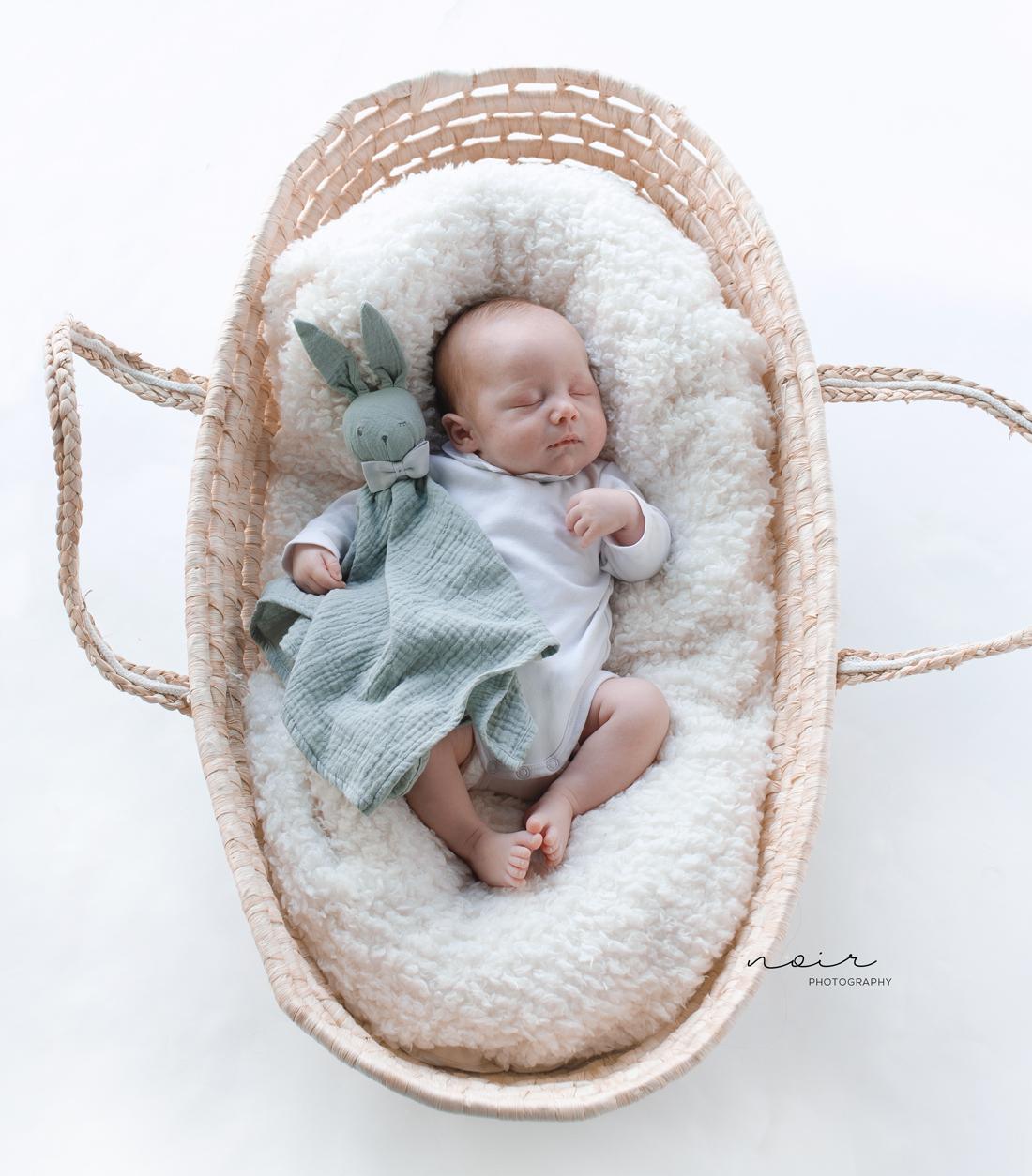 Newborn baby fotografie west-vlaanderen oost-vlaanderen lifestyle simpel eenvoud