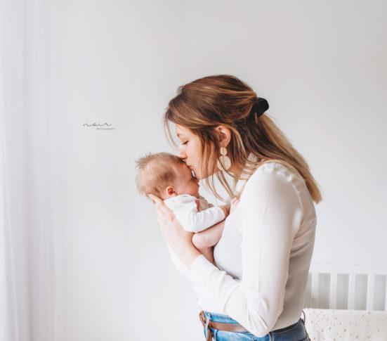 Newborn baby lifestyle fotoshoot fotografie regio West-en Oostvlaandere noir photography & design